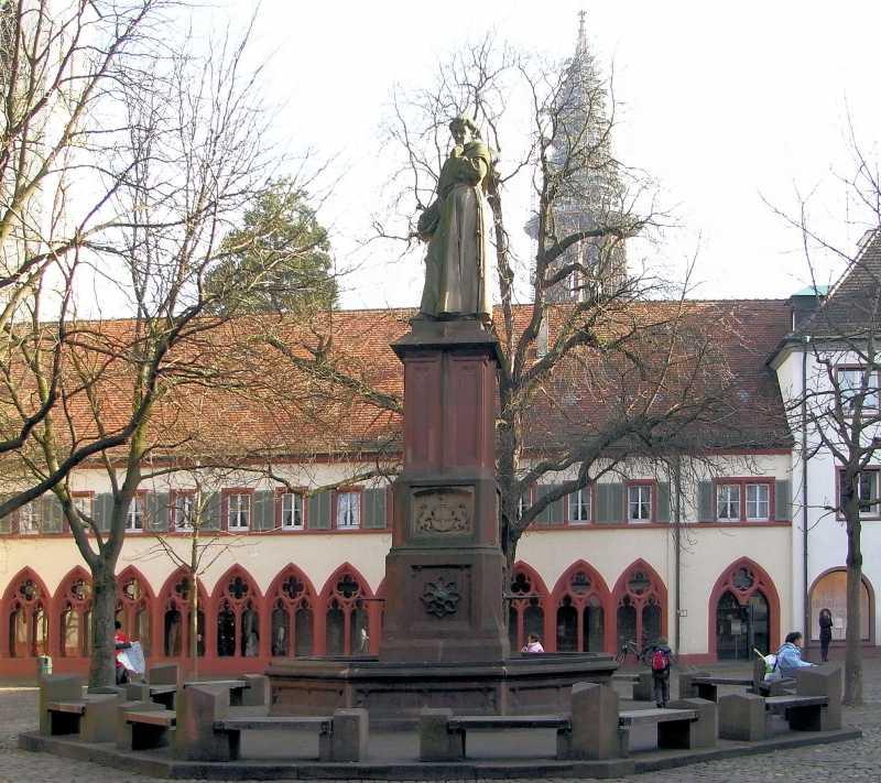 Freiburg_-_Berthold_Schwarz_Denkmal_2.jpg